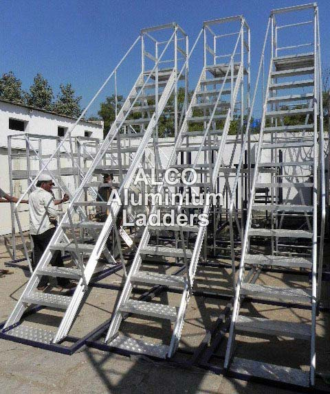 Aluminium Trolley Step Ladder 02