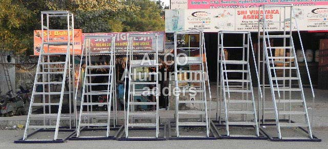 Aluminium Trolley Step Ladder 04