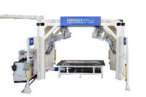 Robotic Waterjet Cutting Machine 03