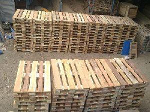 Wooden Palles 03