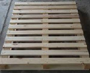Wooden Palles 10