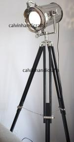 FOCUS NAUTICAL TRIPOD LAMP