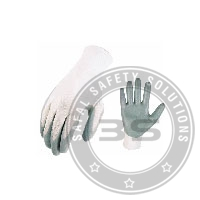 Nitrile Coating on Palm Safety Gloves