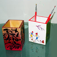 Hand Painted Pen Stand 01