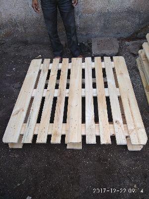 CP3 Pine Wood Pallet