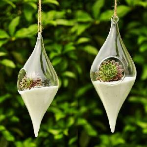 Meenu hanging pot