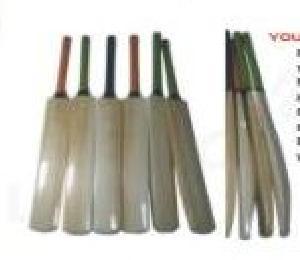 Wooden Cricket Bat 08
