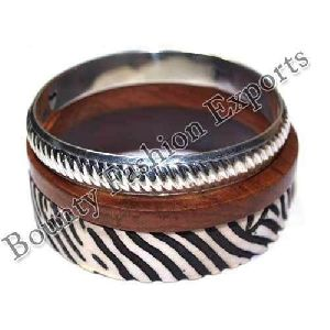 Resin Brass Bangle Set