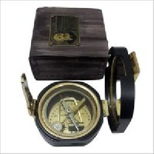 Antique Collectible Pocket Compass