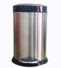 Stainless Steel Deluxe Dustbin 07