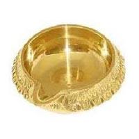 Brass Kuber Deepa