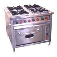 Continental Range Four Burner with Oven