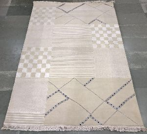 Hand Tufted Rug 32