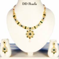 Green Diamond Necklace Set