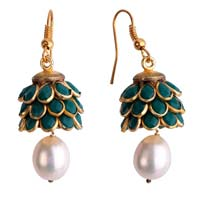 Pearl Earrings 04