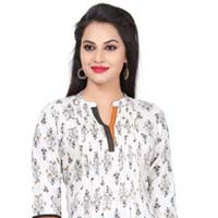 Exquisite Finesse Floral Printed Designer Fashion Tunic for Women
