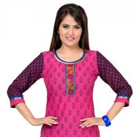 Meticulously Motley Long Cotton Tunic for Women with Printed Design