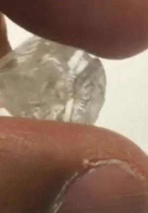 Rough Uncut Diamonds 14