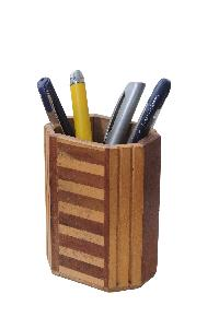 Wooden Pen Stand 01