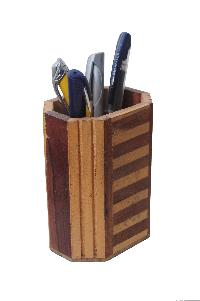 Wooden Pen Stand 02