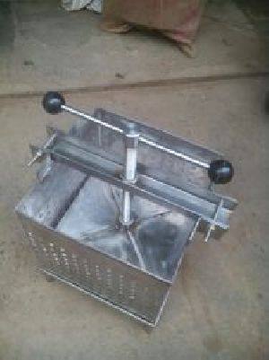 Stainless Steel Paneer Press Machine 05