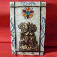 Wooden Wall Painting Ket Stand