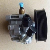 Toyota Power Steering Pump (44310-28240) 03