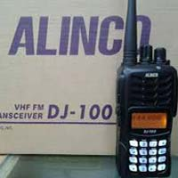 DJ -100 Alinco Walkie Talkie