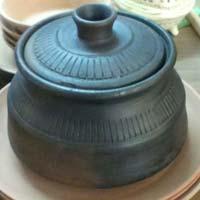 Terracotta Black Handi 02