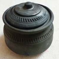 Terracotta Black Handi 03