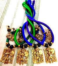 Dokra Necklace Vibrant Colours that Attract Eyes