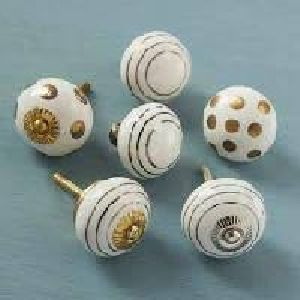 Horn and Bone Door Knobs 02